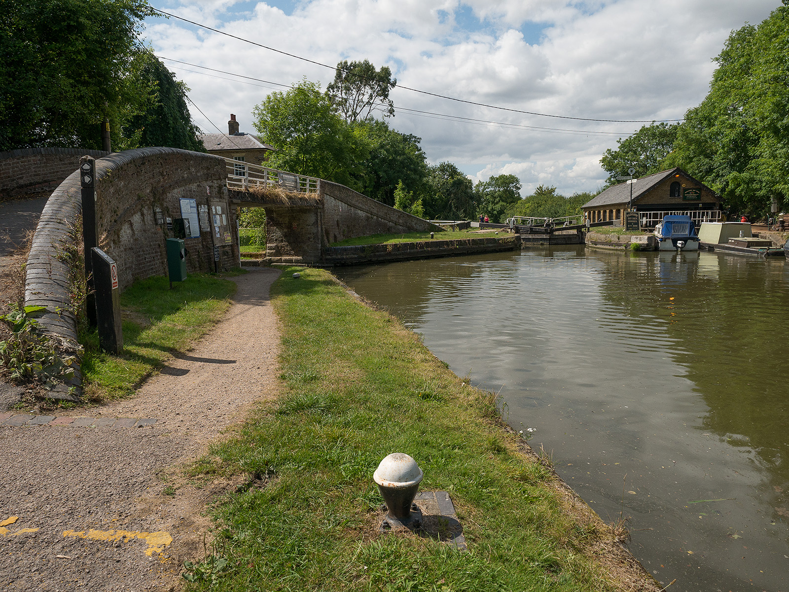 Entry to the Wendover arm (eventually disused)
