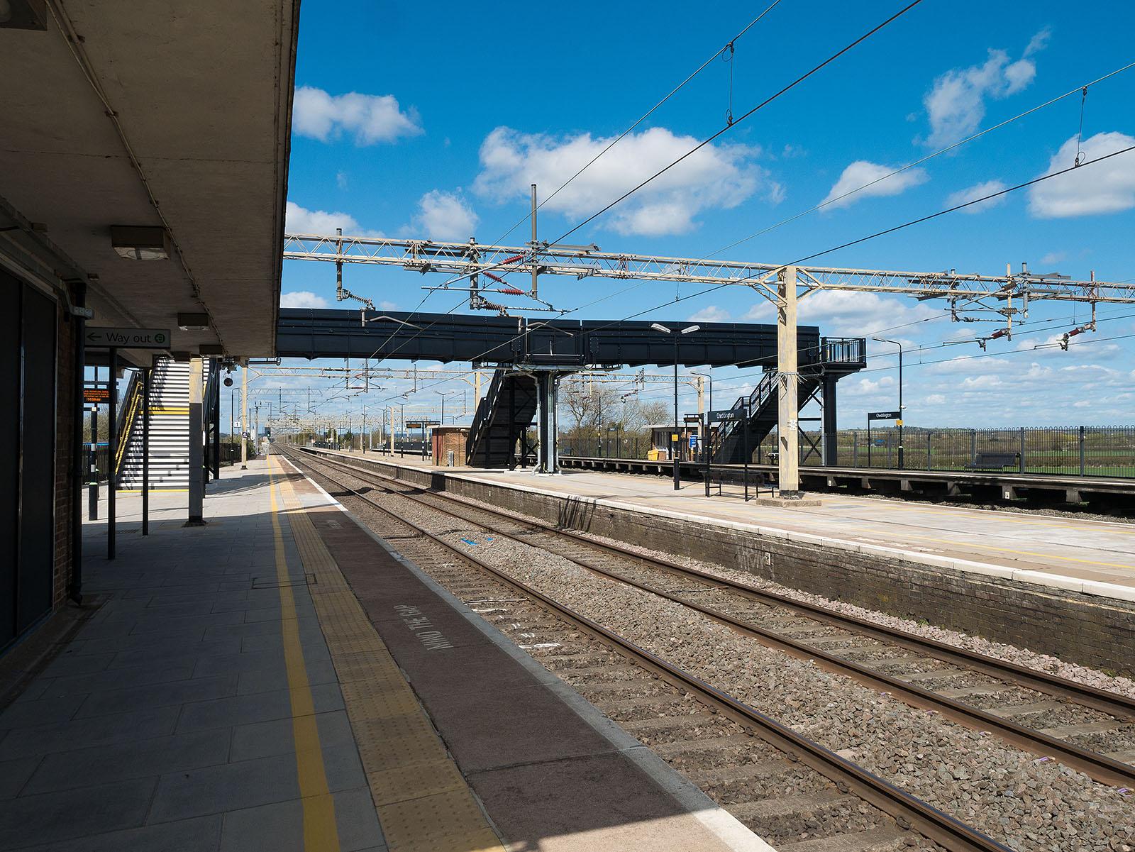 Cheddington station