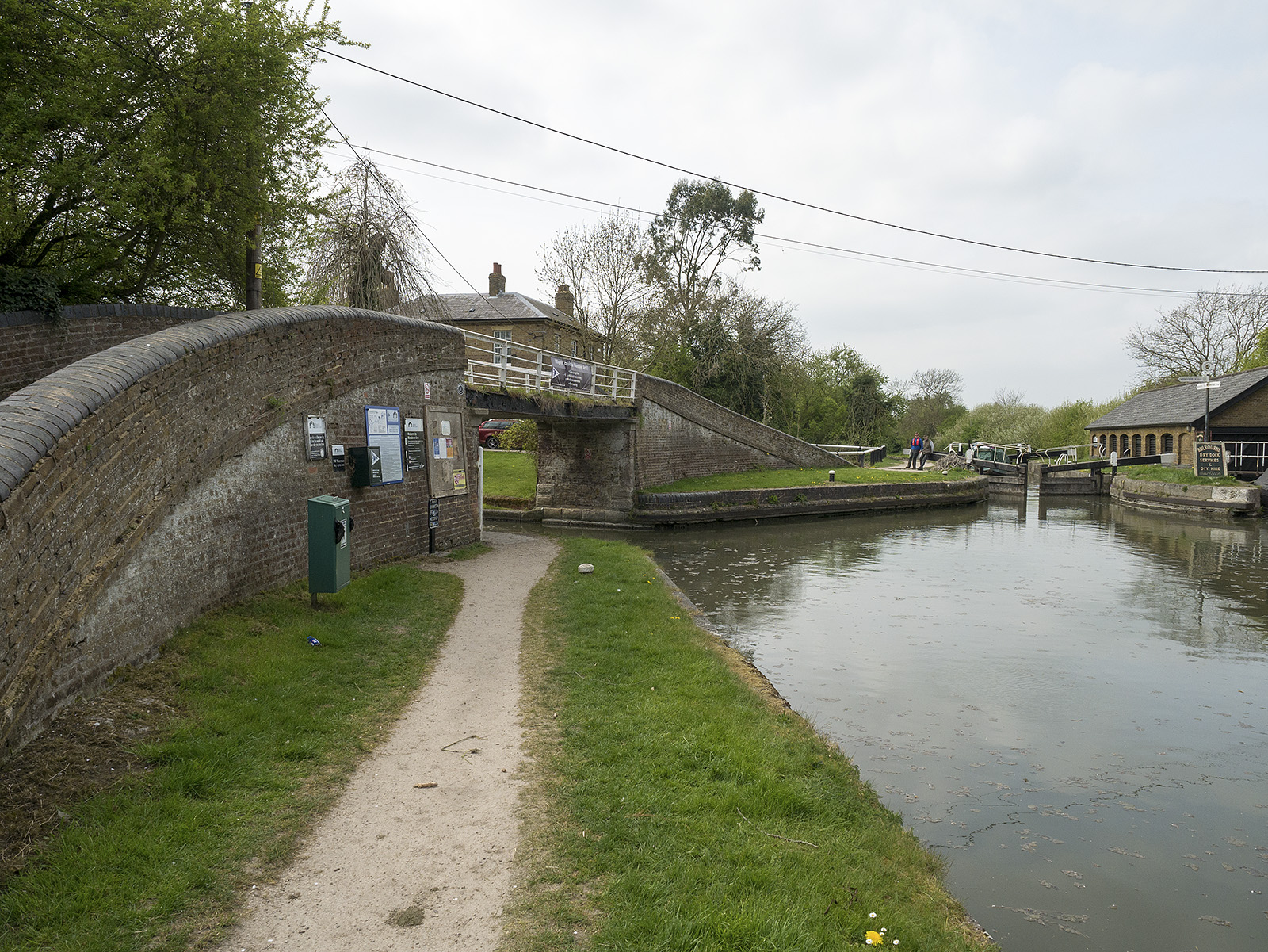 Start of the Wendover Arm at Bulbourne junction