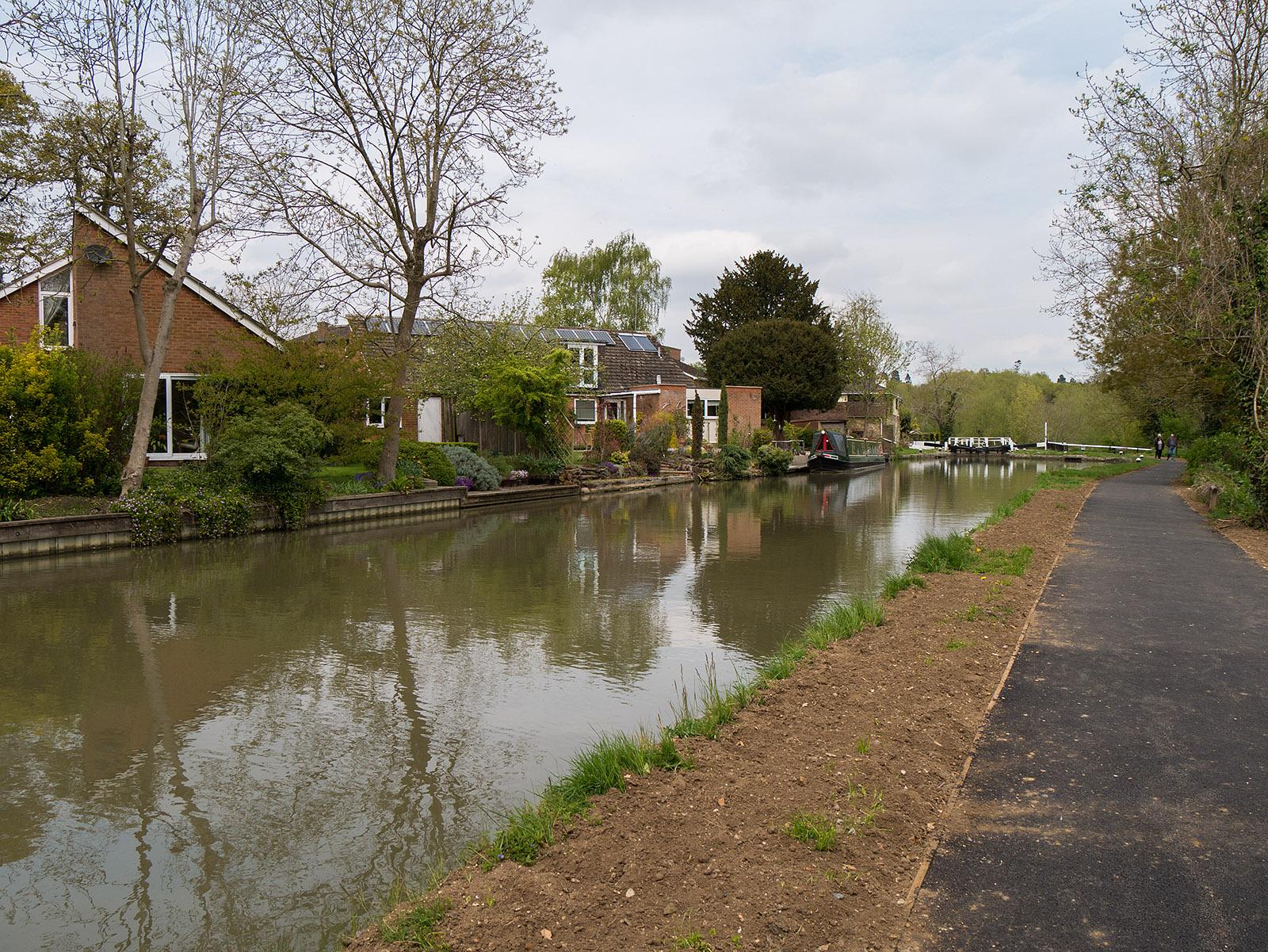 Approaching Leighton Lock