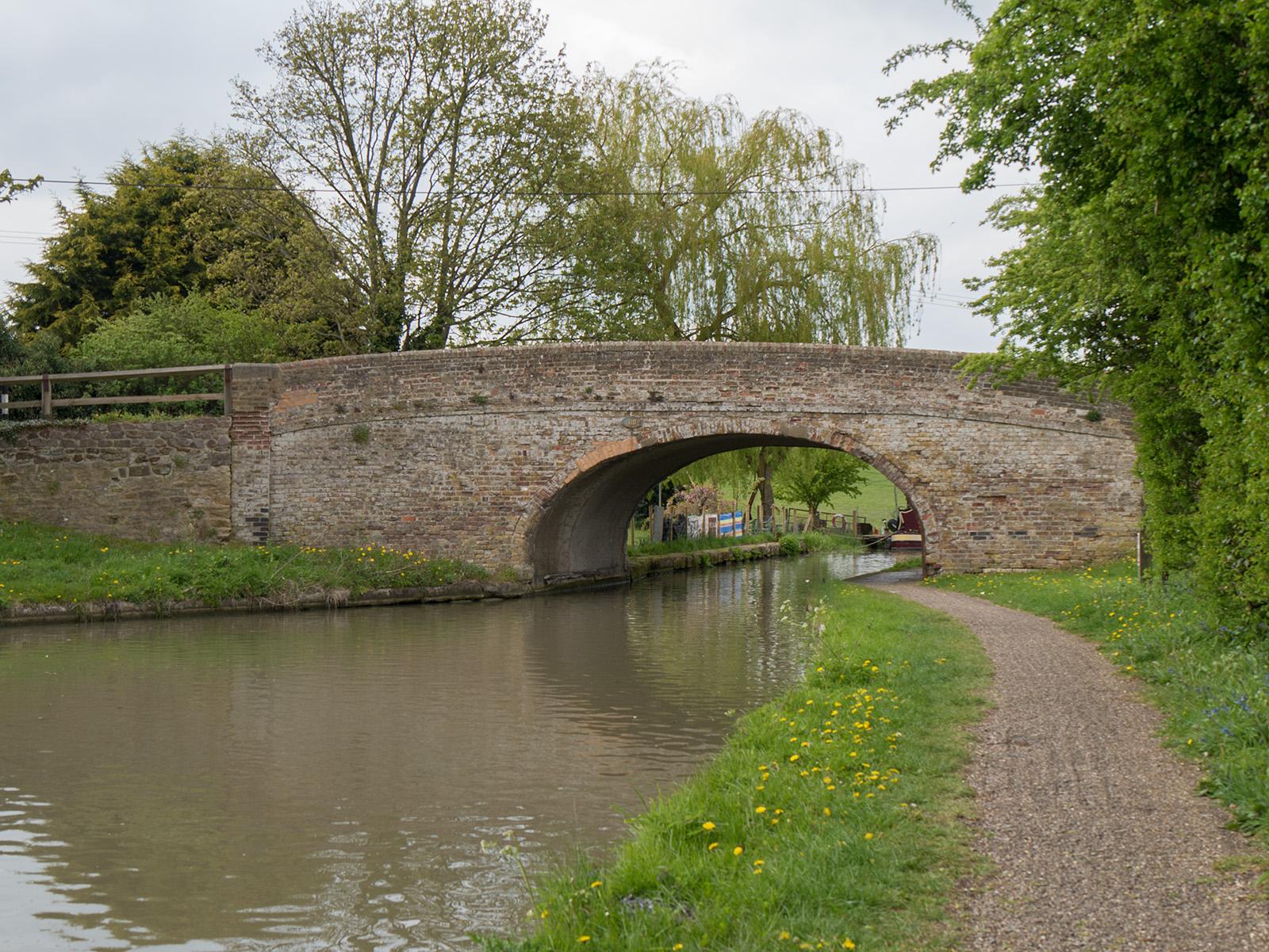 Bridge 110 near old Linslade manor