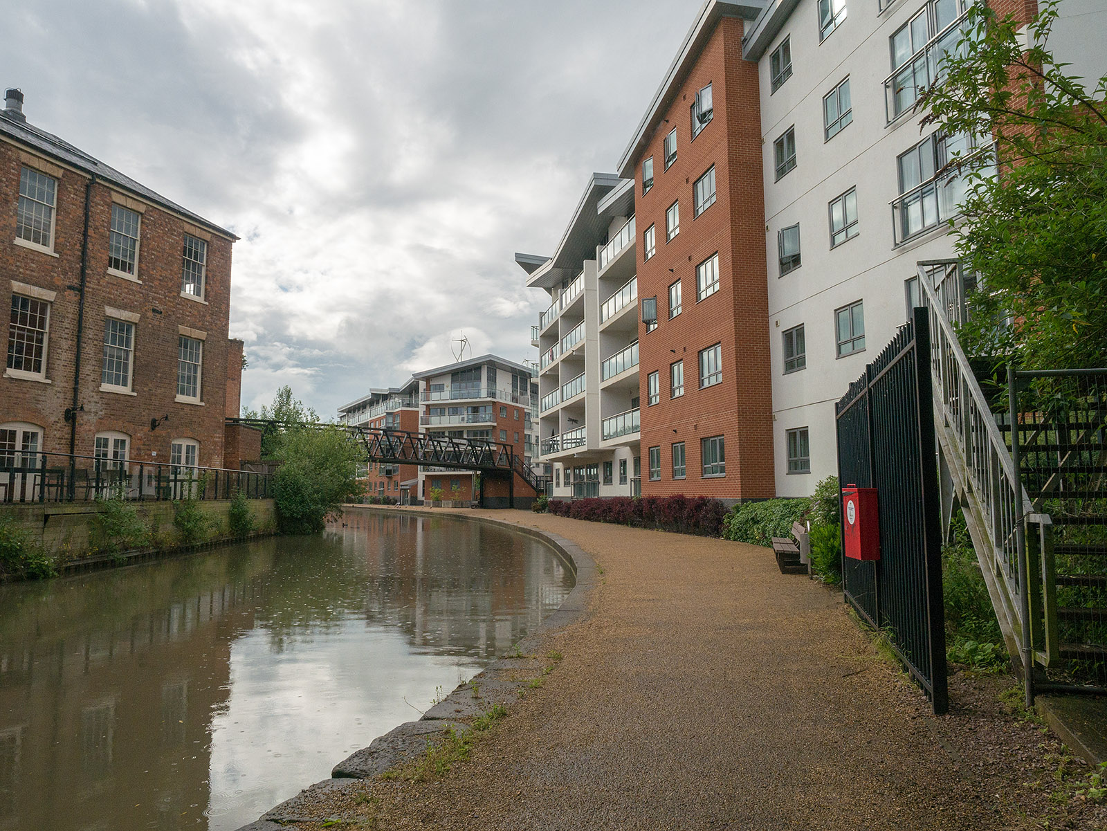 Wolverton  - new housing at the canalside