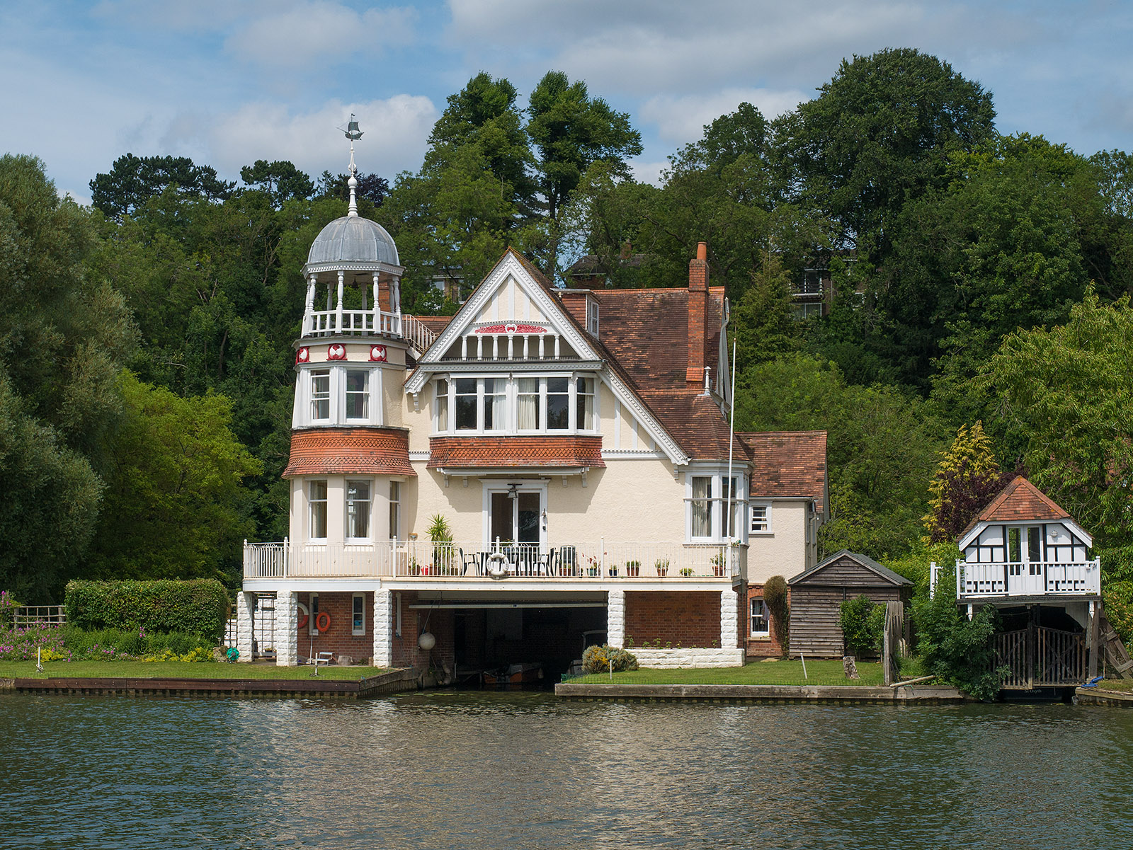 Splendid house at Caversham