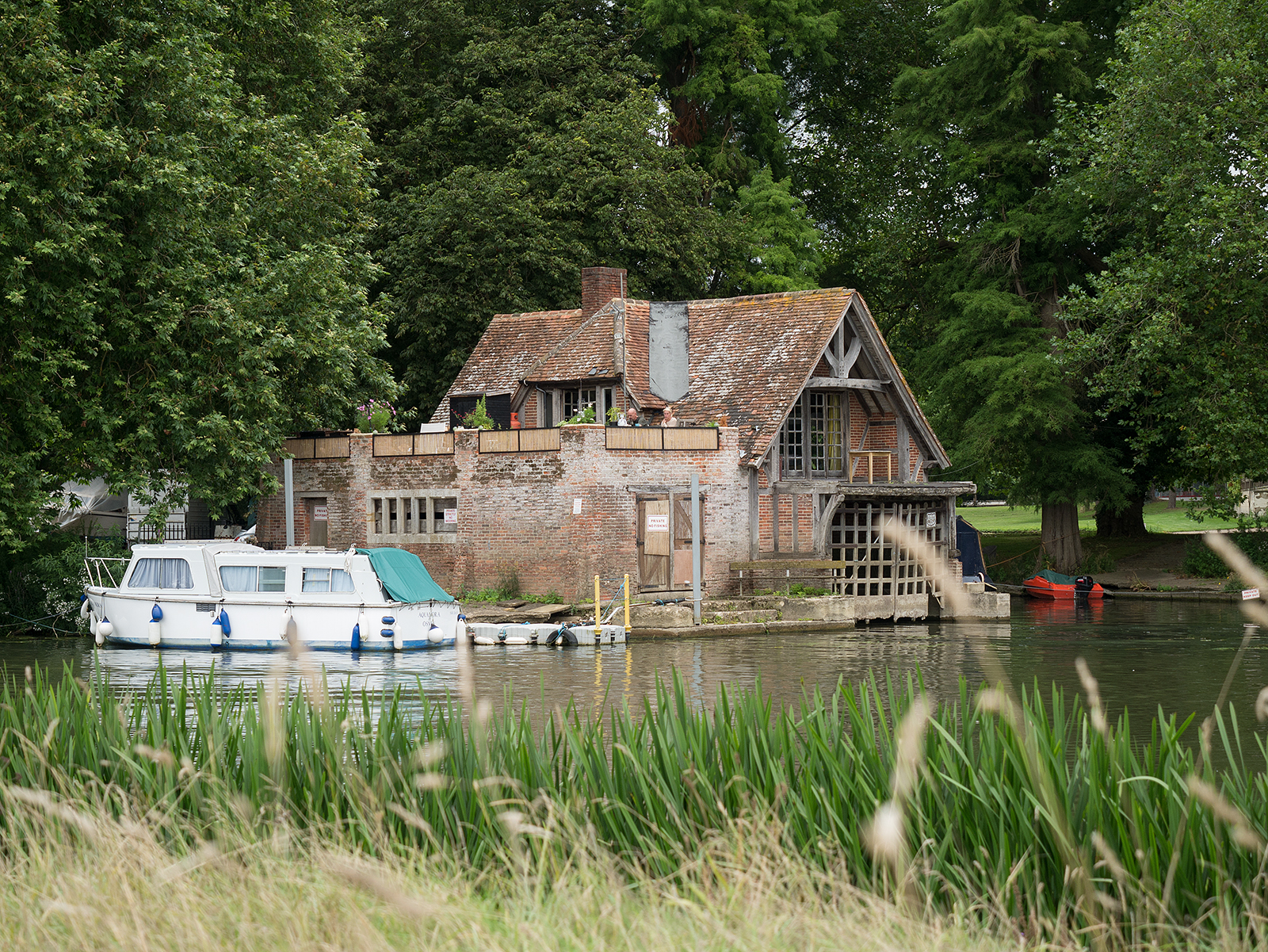 Boathouse at Mongewell