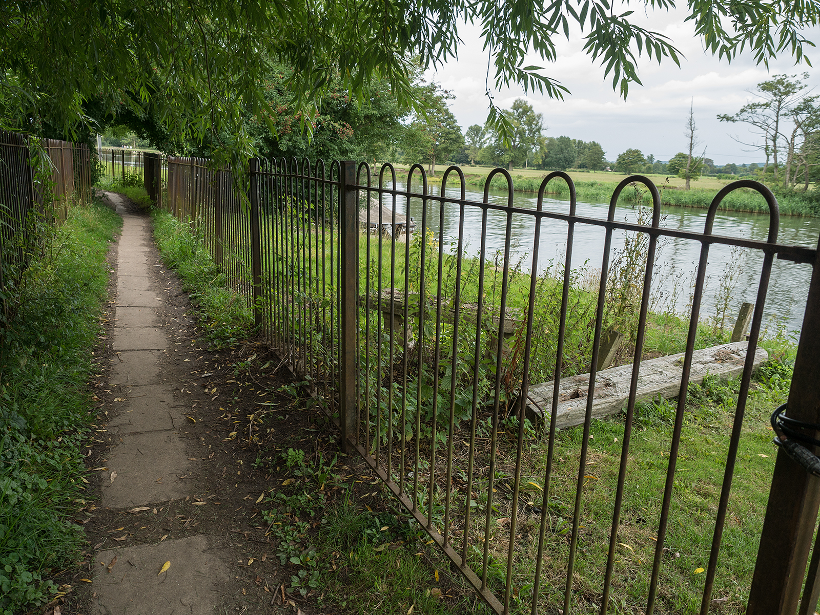 More private riverside areas in Wallingford