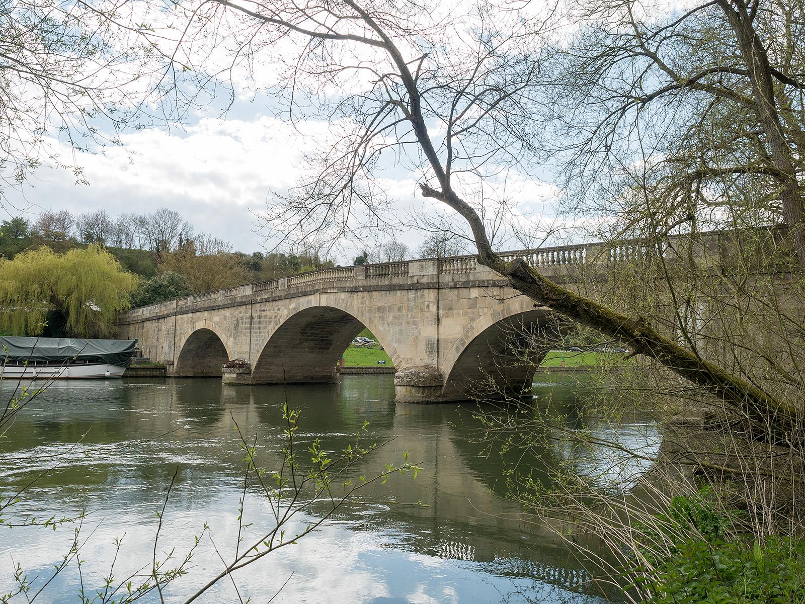 Shillingford Bridge.