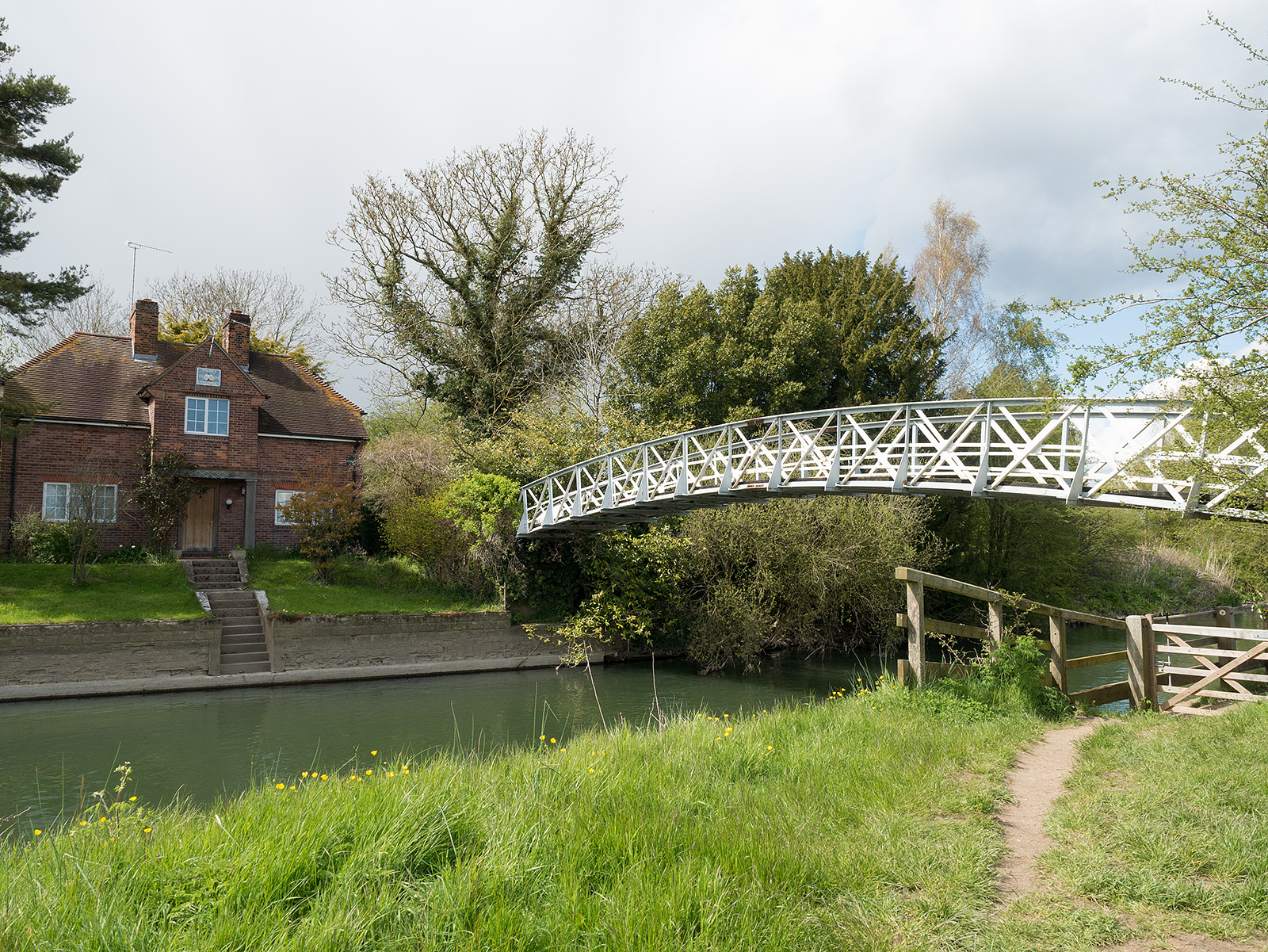 Bridge on the approach to Day's Lock