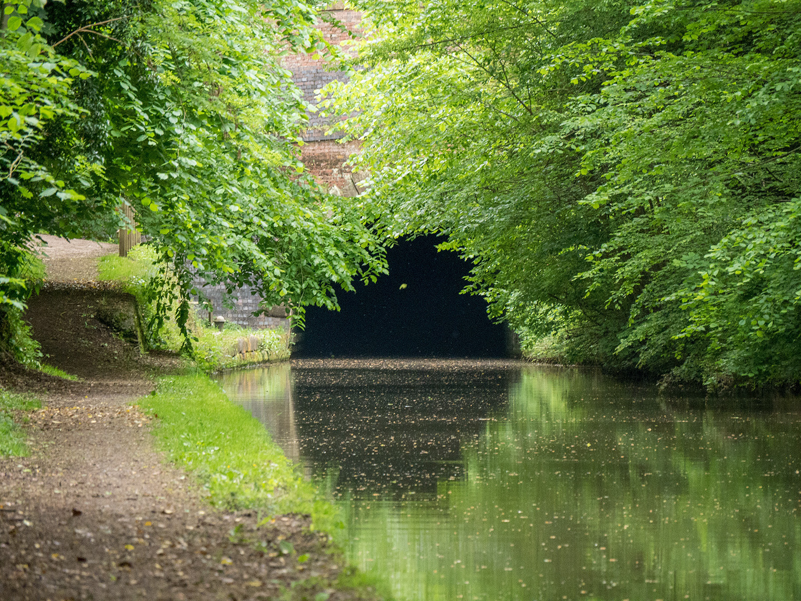 Approaching the eastern entrance to the Braunston tunnel