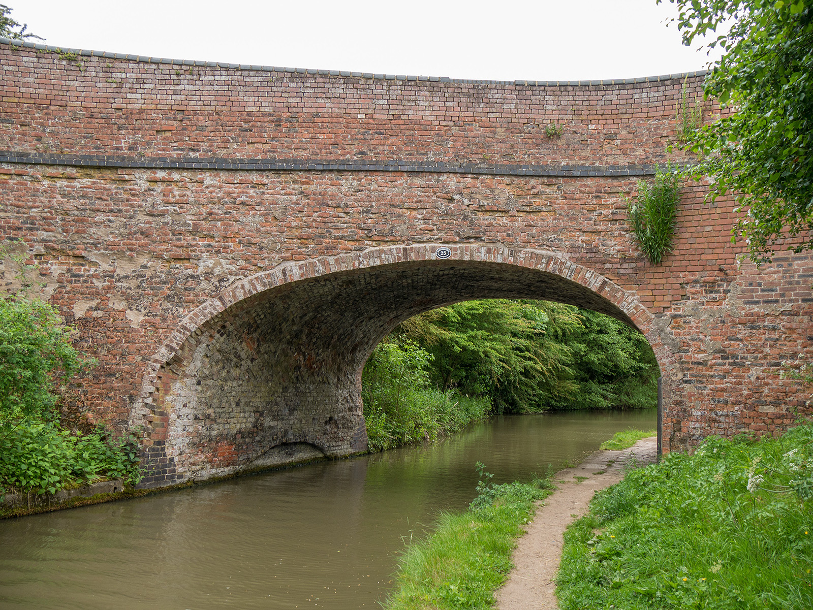 Bridge 25 - Weedon Beck bridge
