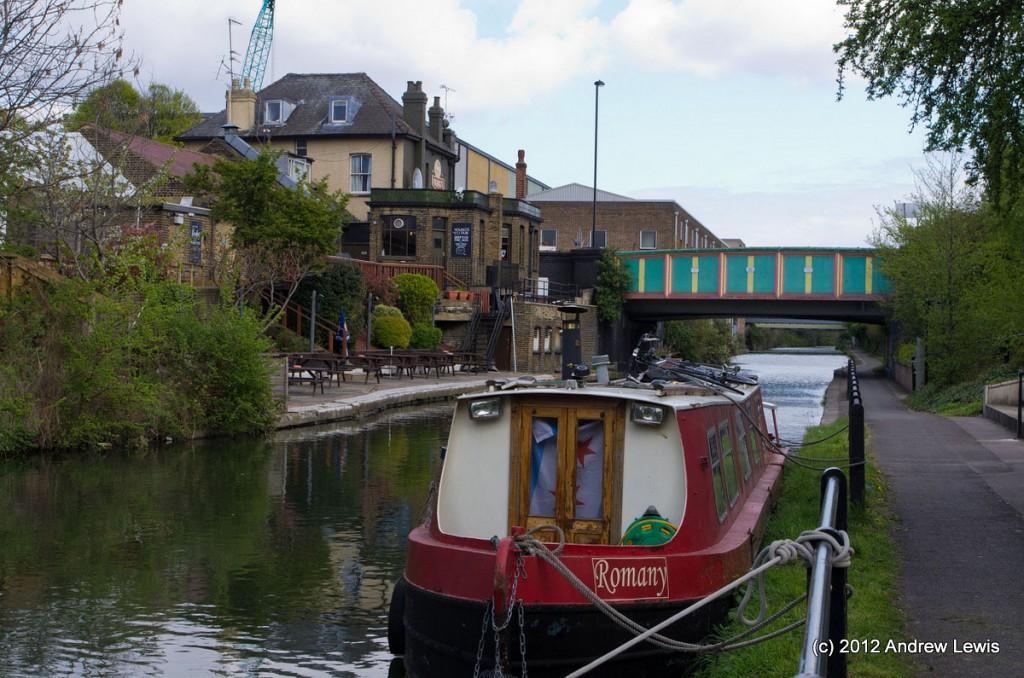 Barge and pun next to Acton Lane bridge (9)