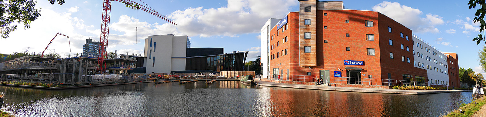 Panorama of the Aylesbury basin.