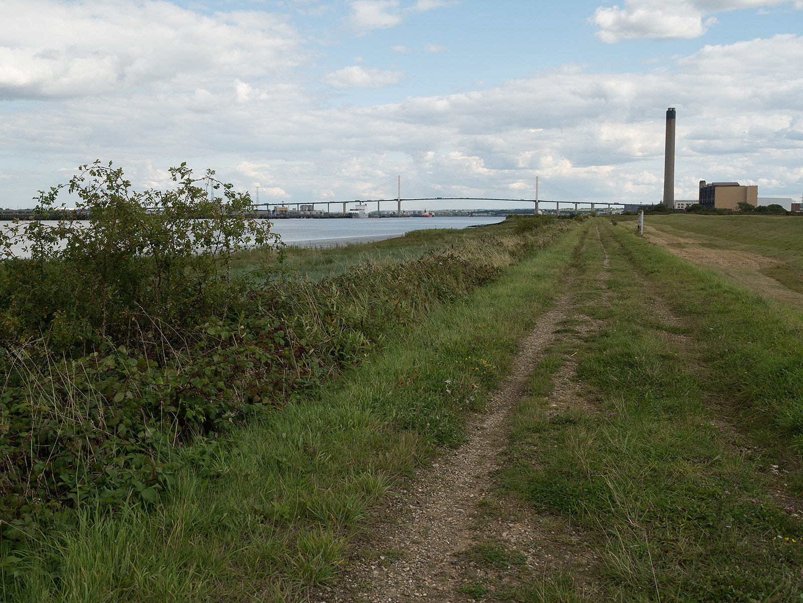 Heading eastwards, the QE2 bridge dominates the view