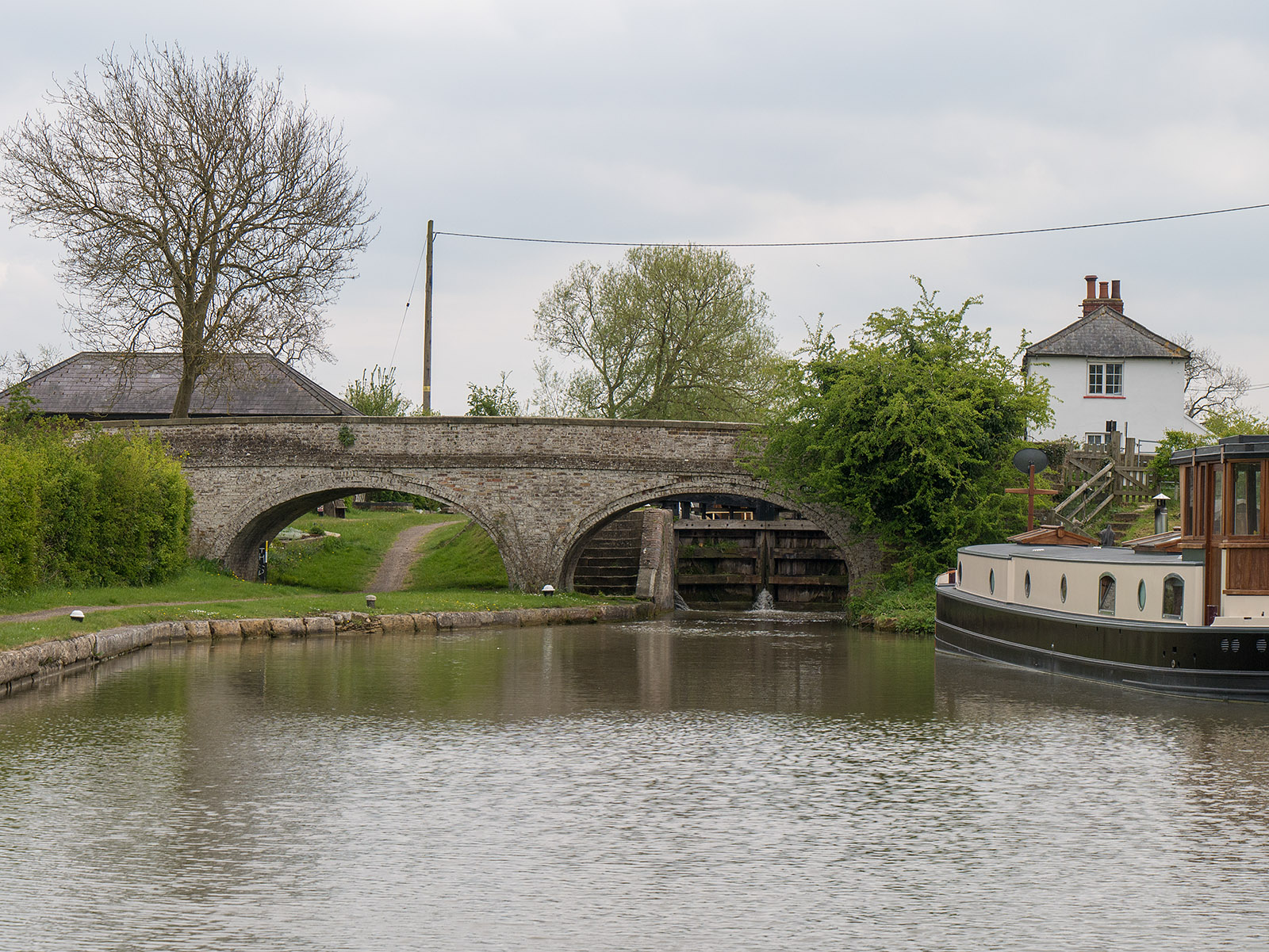 Bridge 104 and Stoke Hammond lock