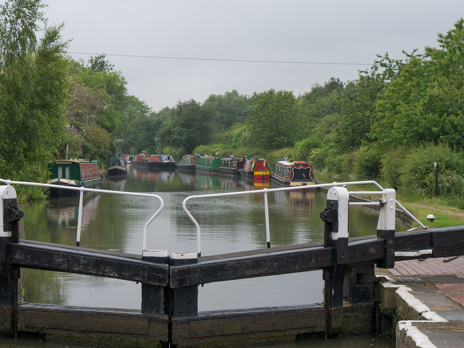 Looking ahead from the lock at Fenny Stratford