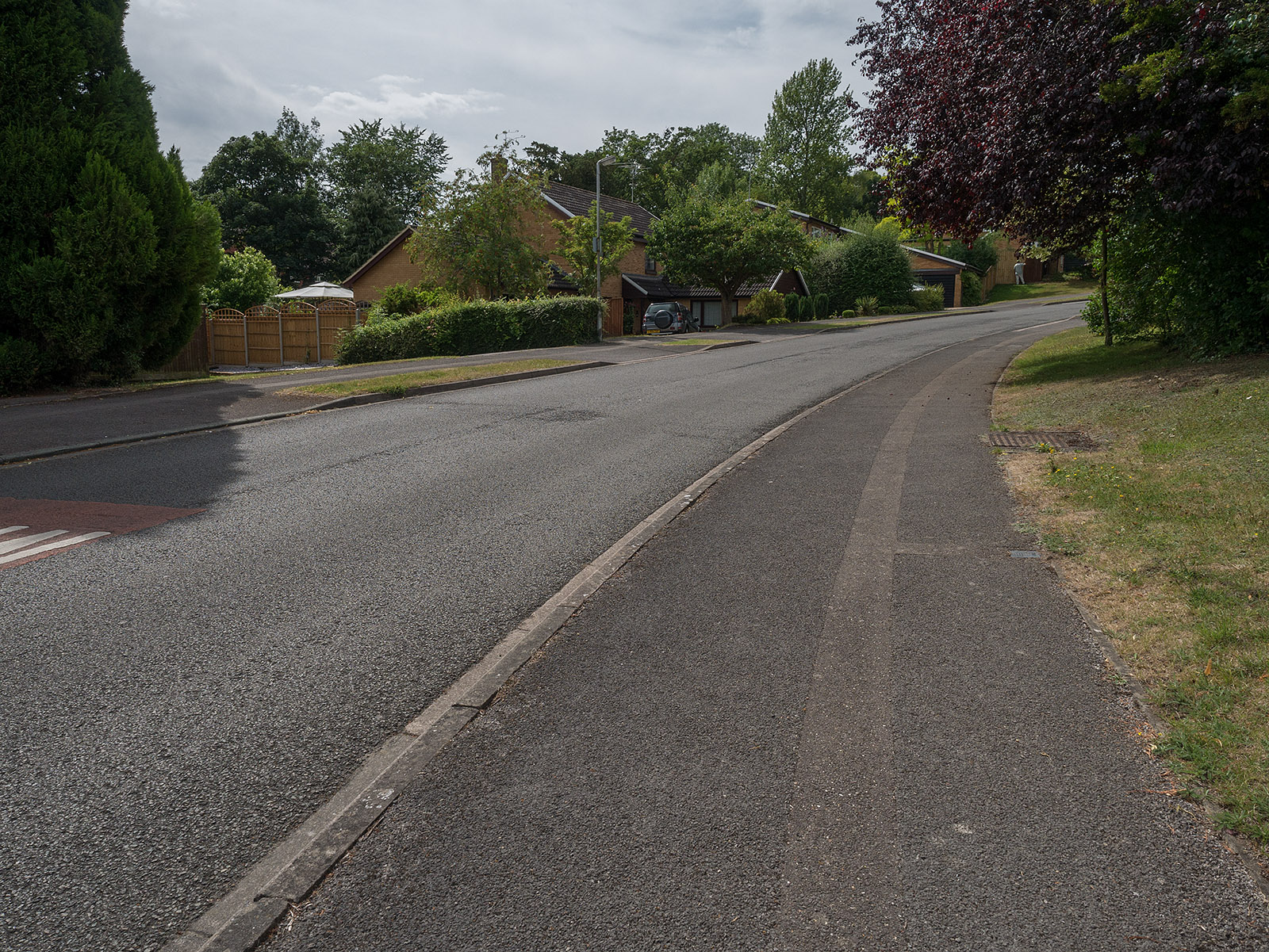 The Thames Path becomes an urban road as we pass up into Purley before descending again