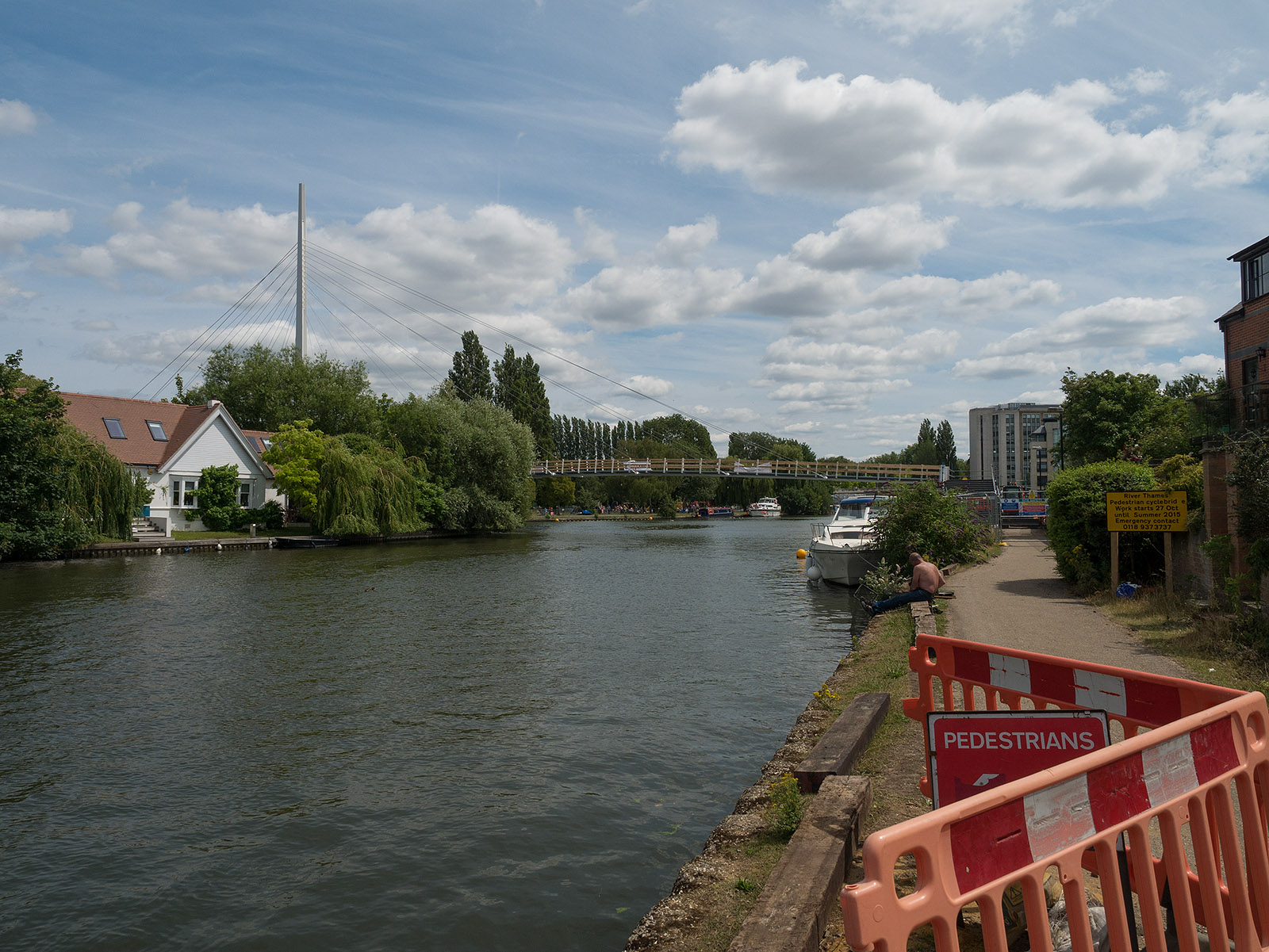 Looking back to new footbridge being built in Reading