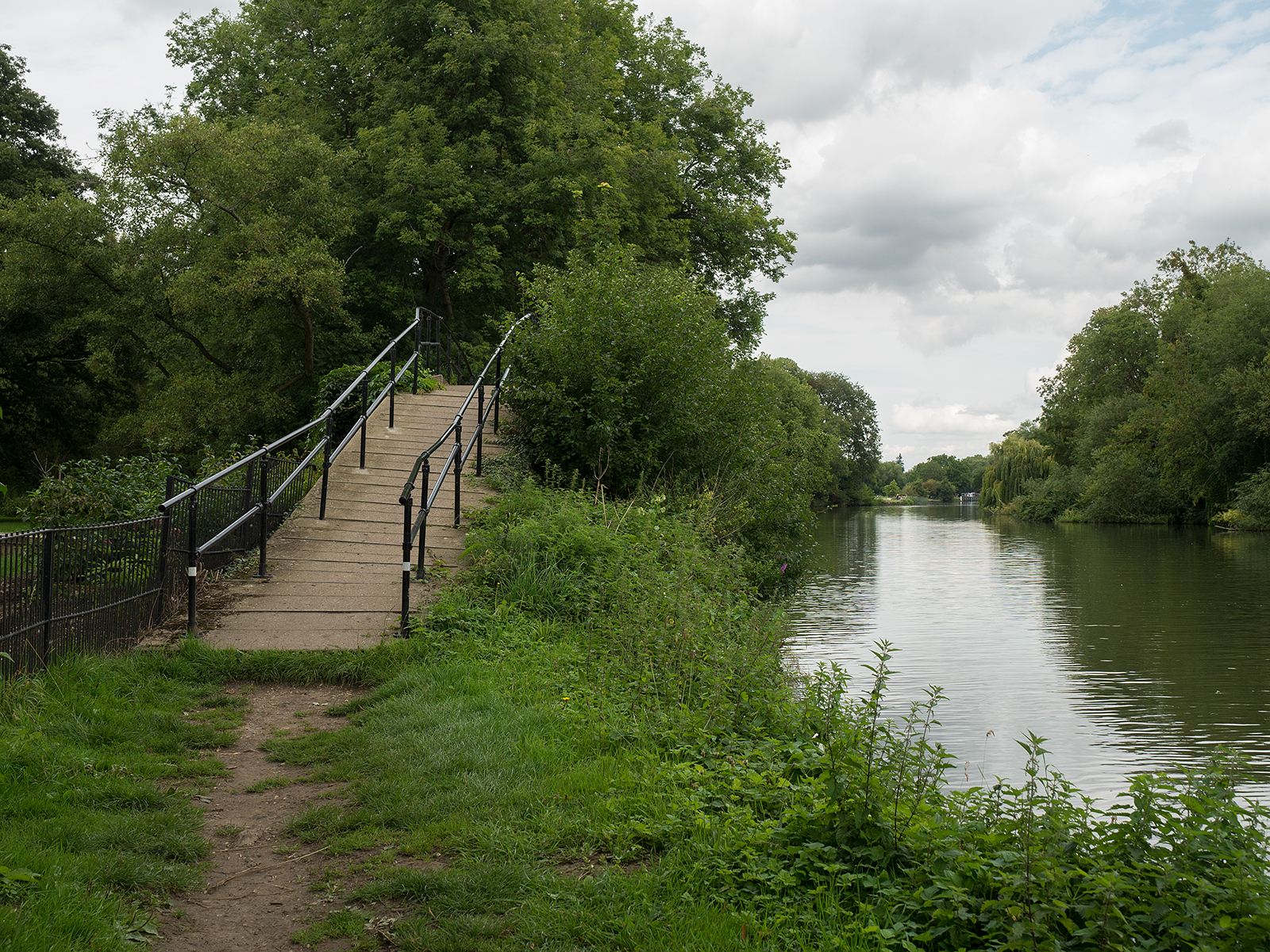 Footbridge at Cleve Court House inlet