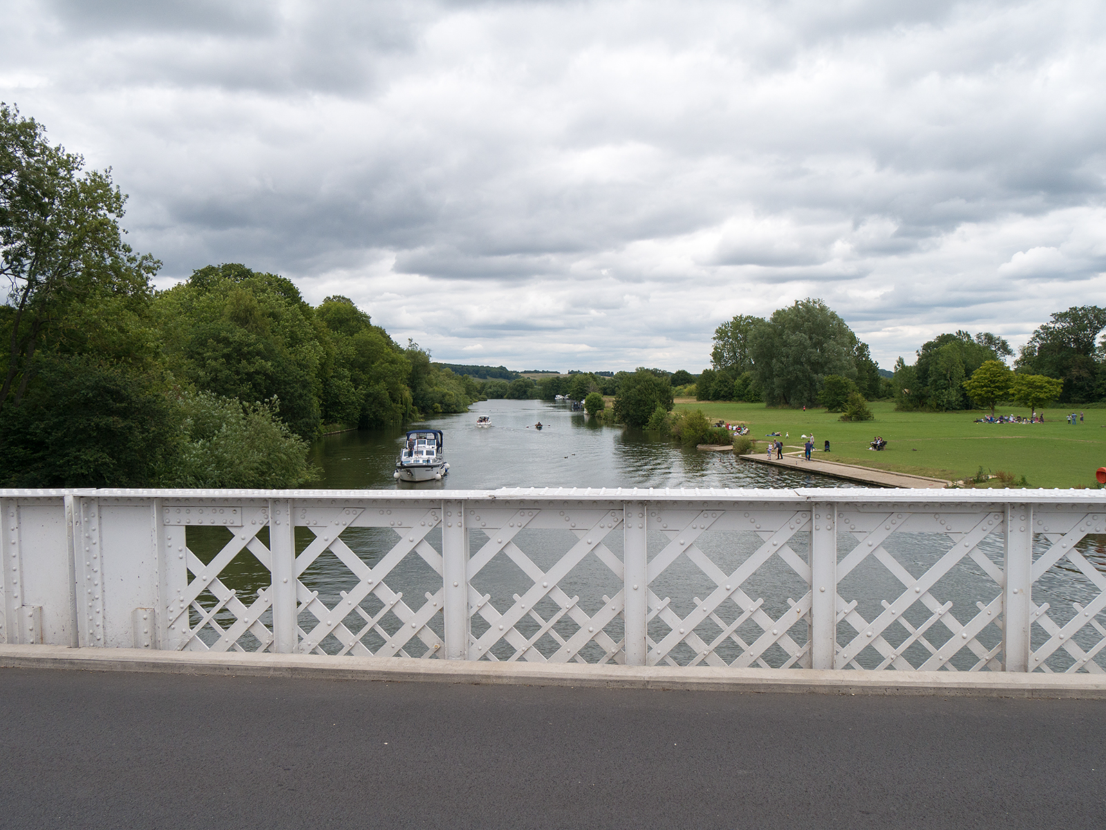 View from Pangbourne bridge