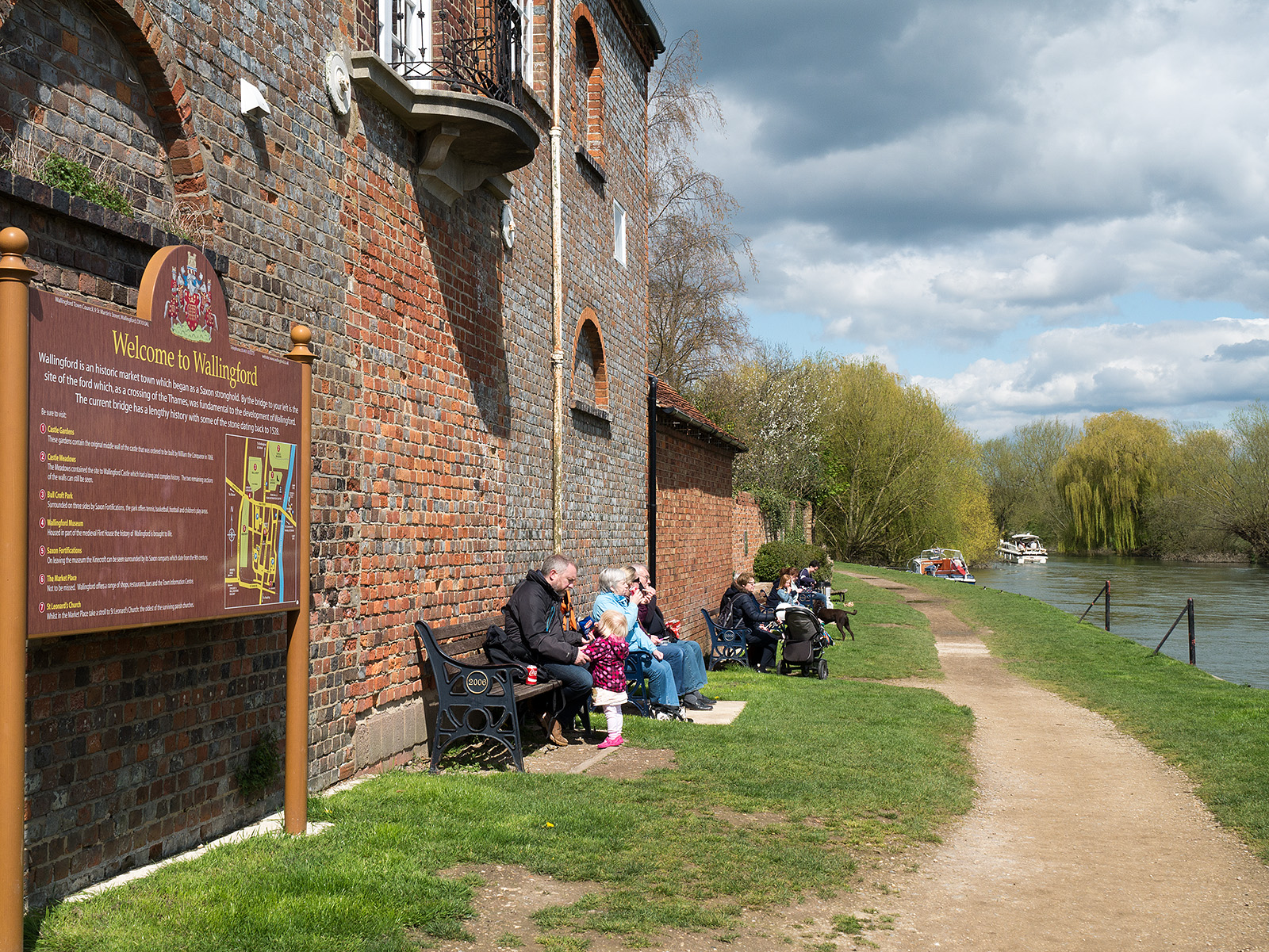Enjoying the sunshine on the path away from Wallingford bridge