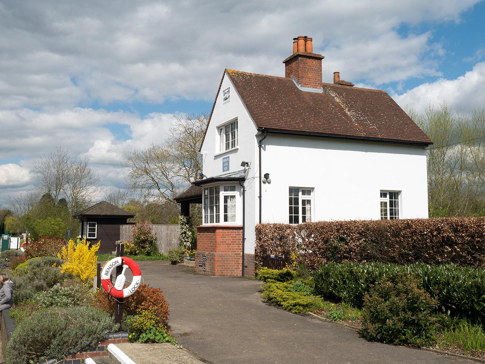 Lock keeper's cottage, Benson lock.
