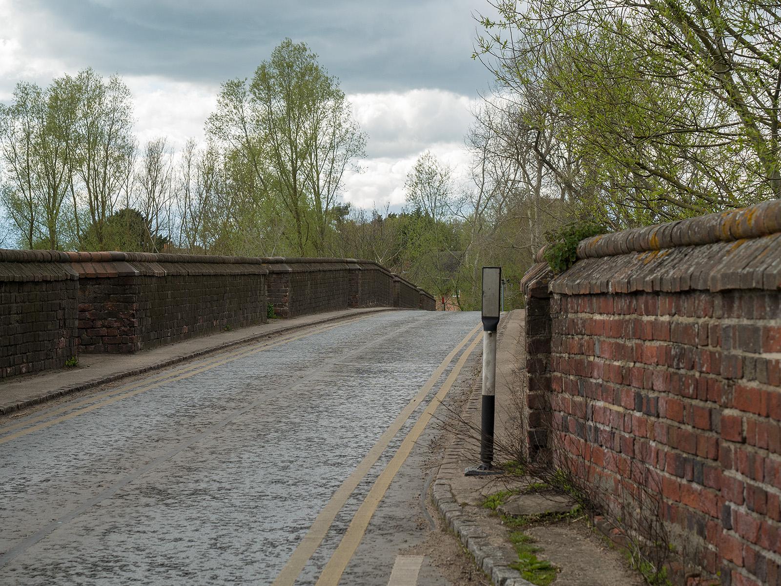 Brick bridge at Clifton Hampden