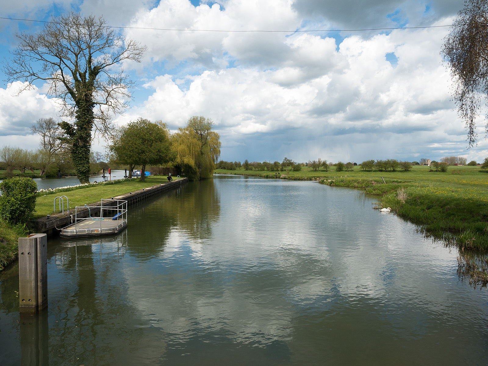 View upstream from Day's Lock
