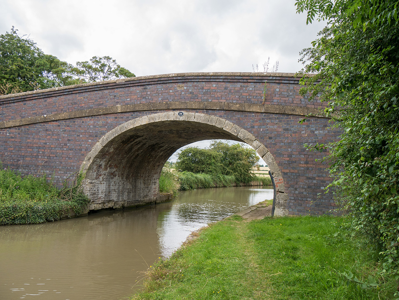 Bridge 59, north of Yardley Gobion