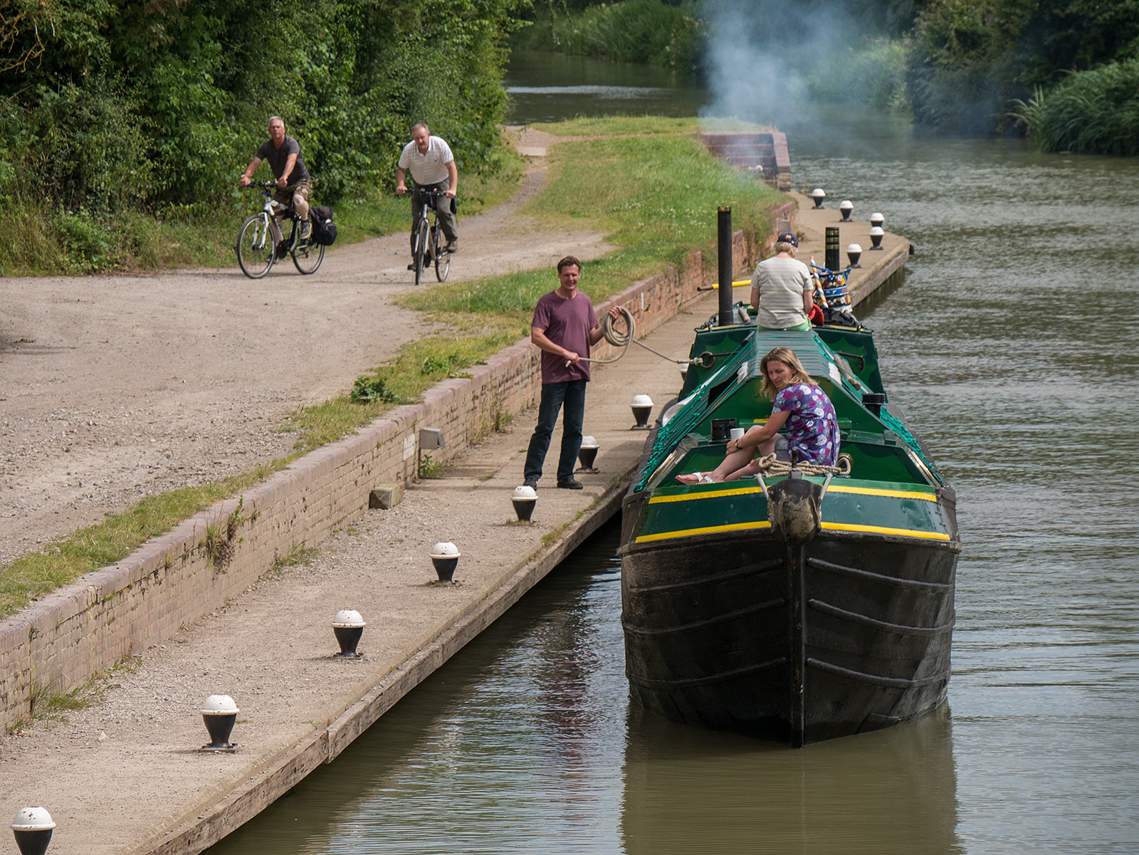 Mooring up as the lock is cycled