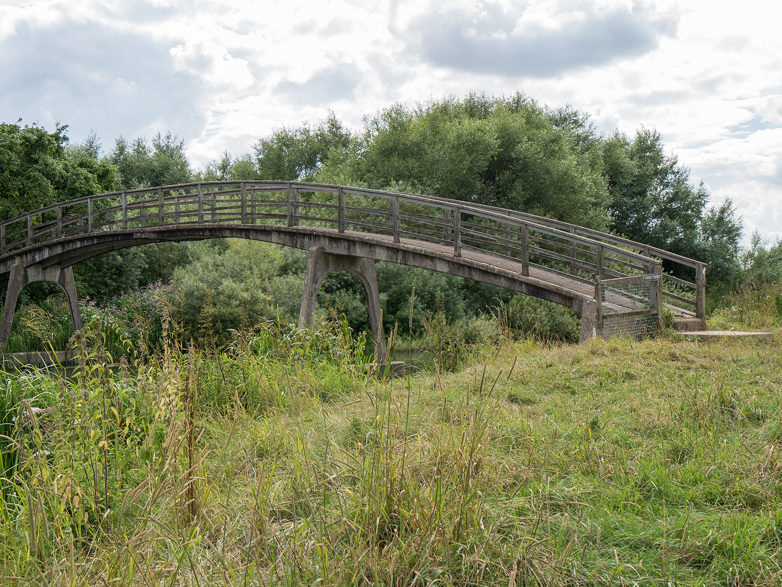 Old style concrete bridge