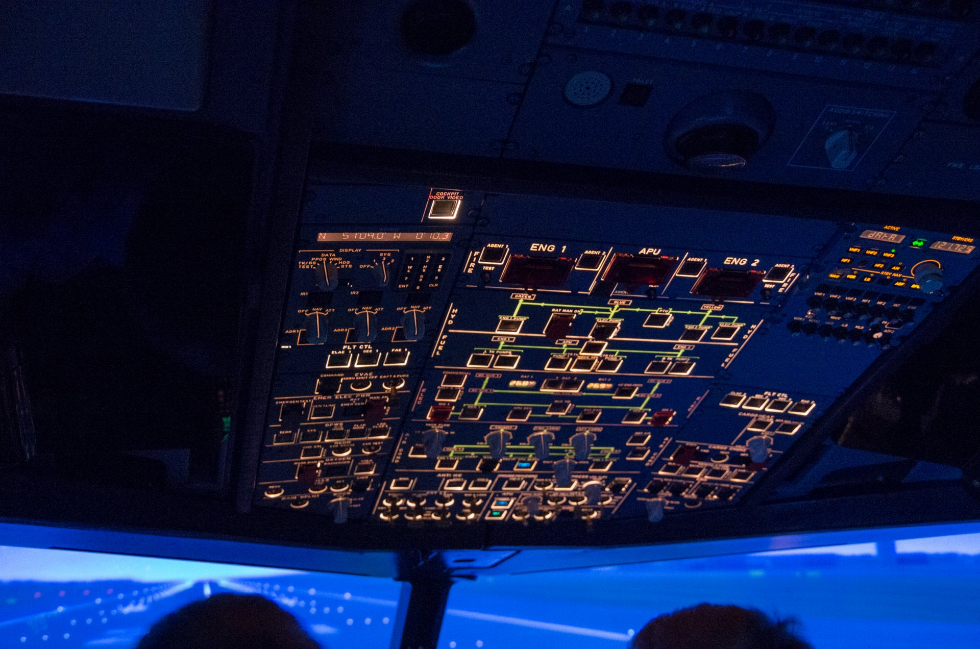 Overhead panel shot as we line up on runway 26L at Gatwick (EGKK)